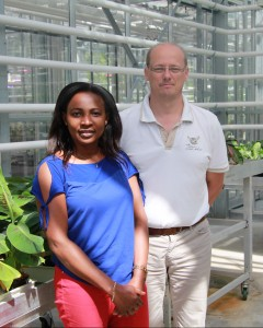 Dr. Marie-Chantal Koffi and Prof. Stéphane Declerck, from the laboratory of mycology of the Université catholique de Louvain (Belgium).